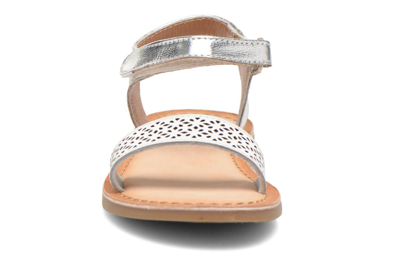 Sandales et nu-pieds Gioseppo Madona Blanc vue portées chaussures