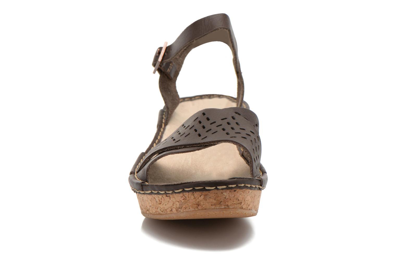 Sandales et nu-pieds TBS Alyson Marron vue portées chaussures