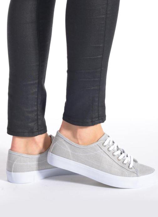 Sneaker TBS Lining grau ansicht von unten / tasche getragen
