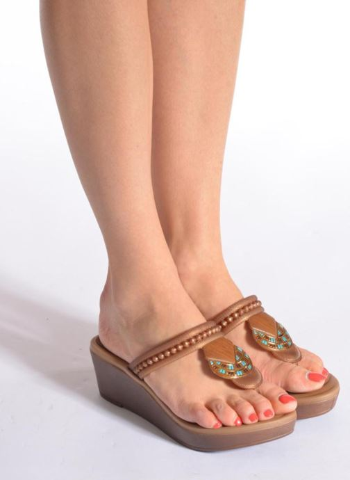 Mules & clogs Grendha Tribal Plat Fem Brown view from underneath / model view