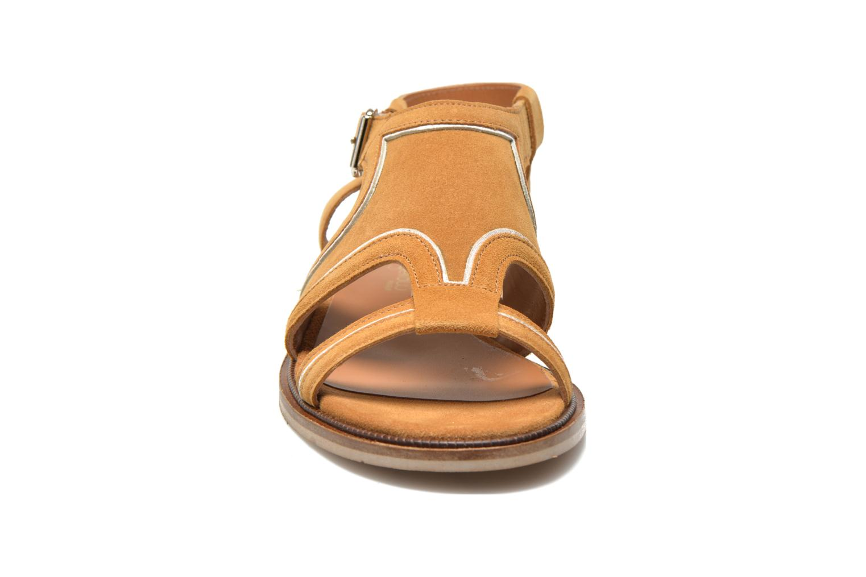 Sandals Mellow Yellow Vilma Beige model view