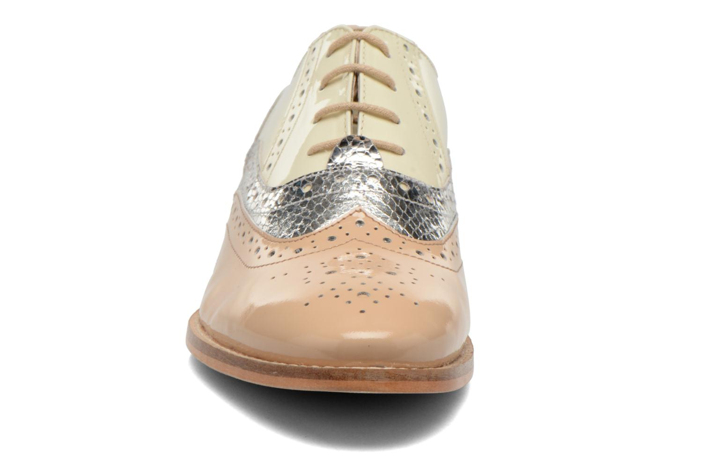 Chaussures à lacets COSMOPARIS Fadia/Ver Beige vue portées chaussures