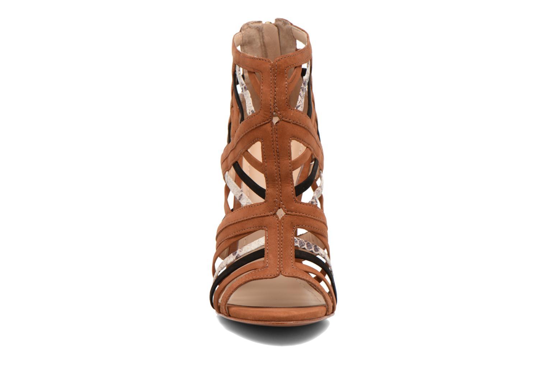 Sandals COSMOPARIS Carie/bi Brown model view