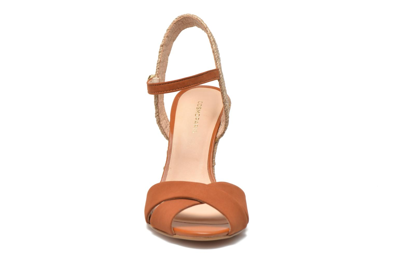 Sandales et nu-pieds COSMOPARIS Jobi/nub Marron vue portées chaussures