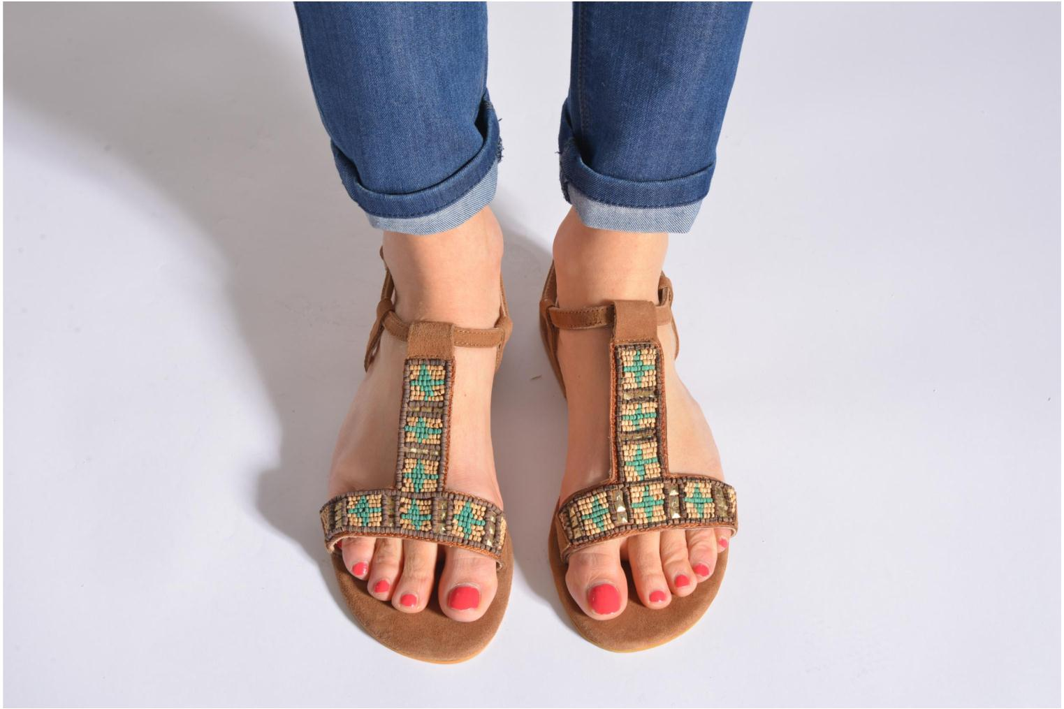 Sandals Coolway Maddy Black view from underneath / model view