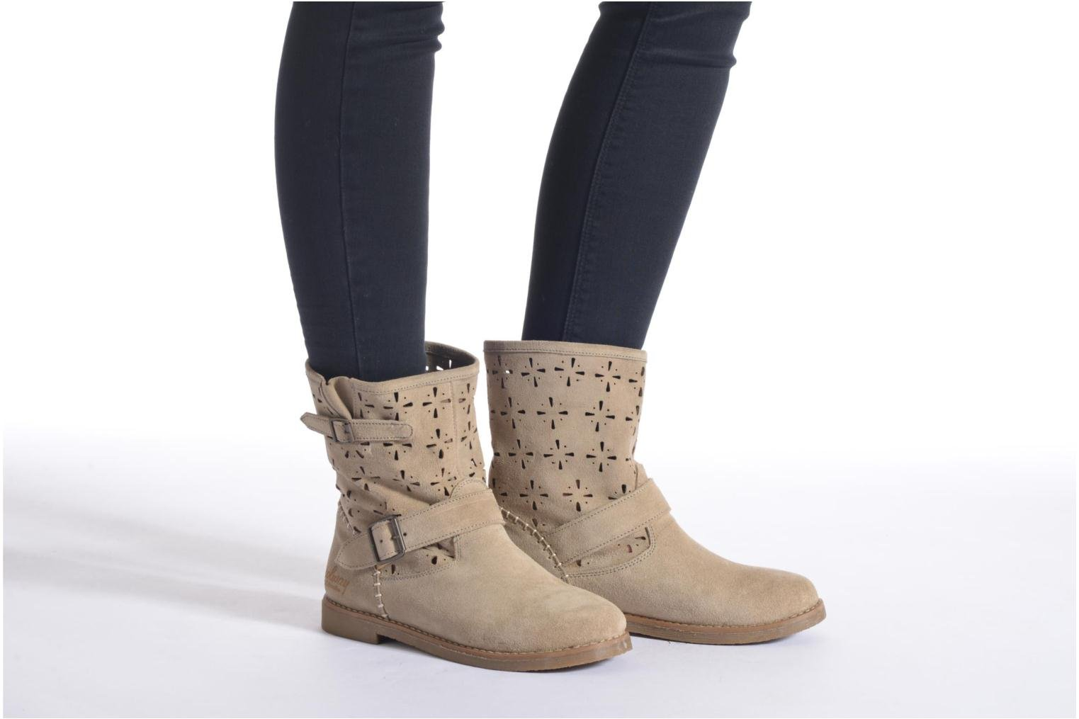 Ankle boots Coolway Naif Beige view from underneath / model view