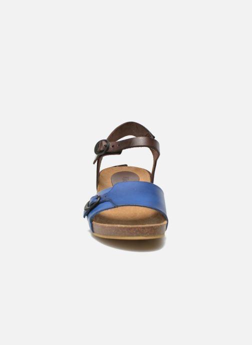 Sandalias Kickers Bombom Azul vista del modelo