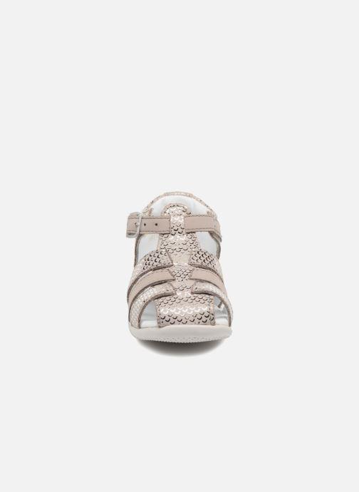 Sandales et nu-pieds Kickers Bigfly Gris vue portées chaussures