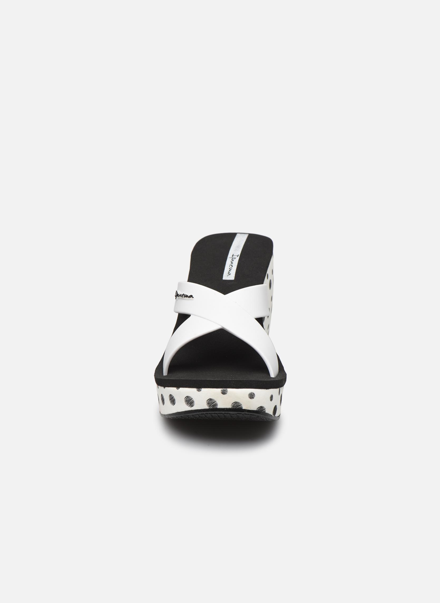 Mules et sabots Ipanema Lipstick Straps II Blanc vue portées chaussures