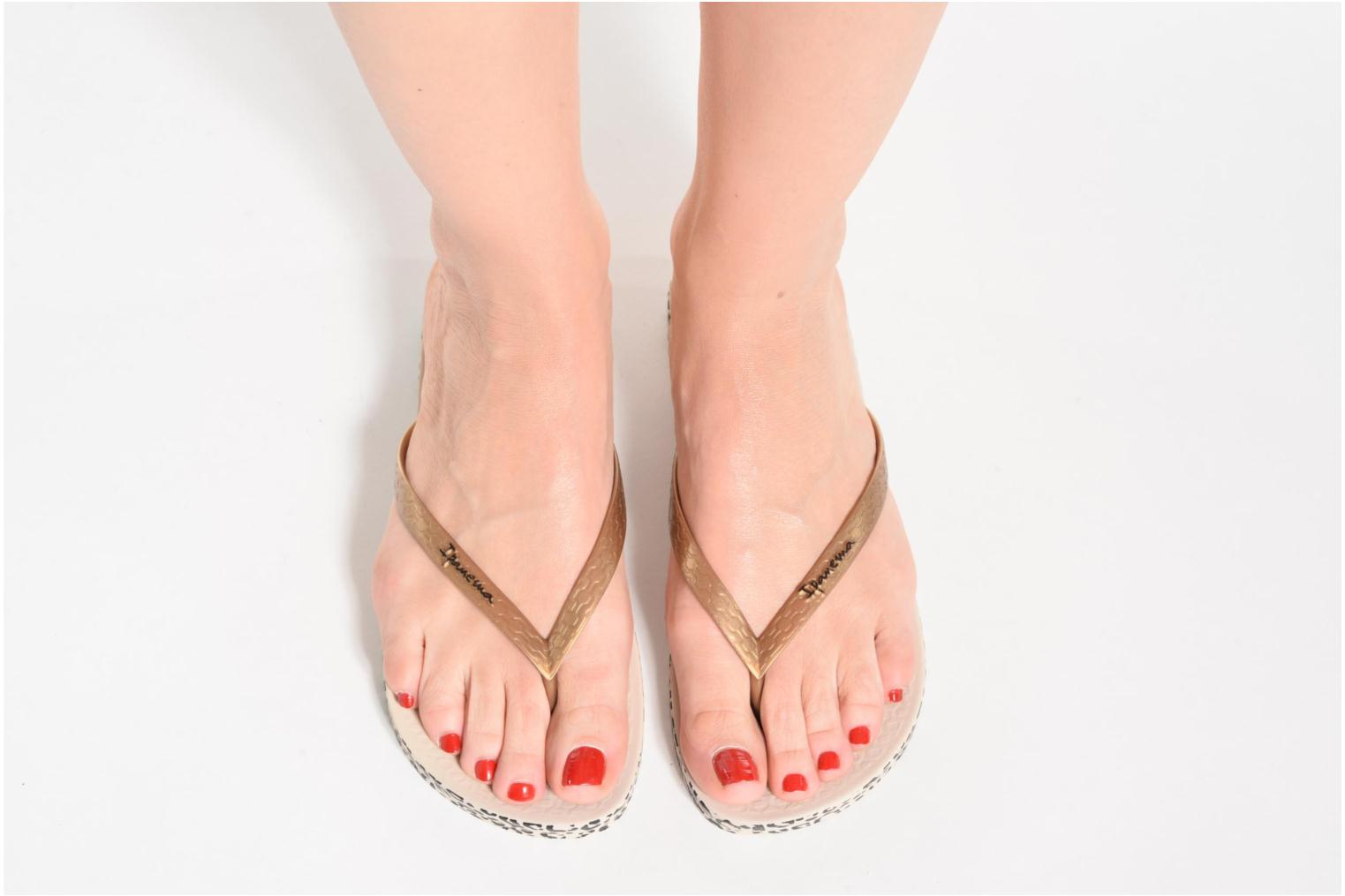 Flip flops Ipanema Anatomica Soft Bronze and Gold view from underneath / model view