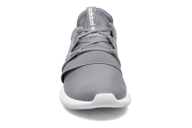 Baskets Adidas Originals Tubular Viral W Gris vue portées chaussures