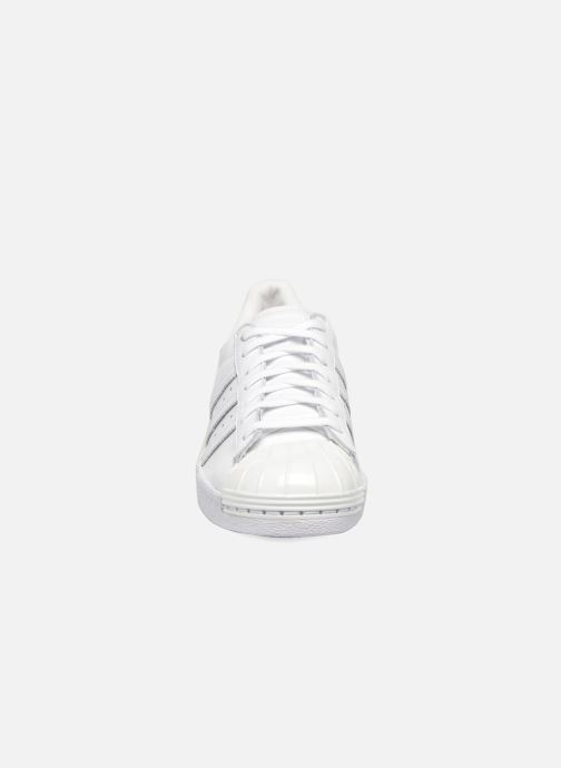 Baskets adidas originals Superstar 80S Metal Toe W Blanc vue portées chaussures