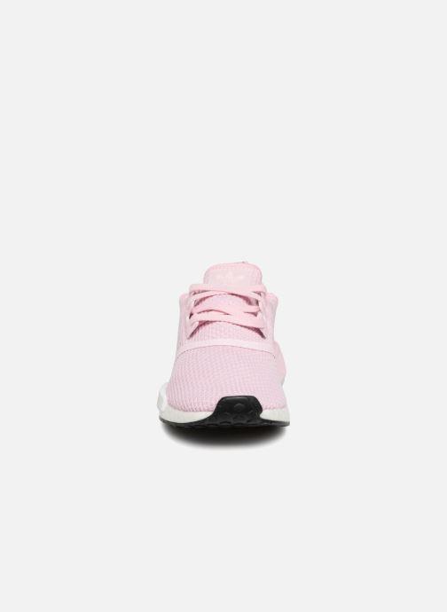 Sneakers adidas originals Nmd_R1 W Rosa modello indossato