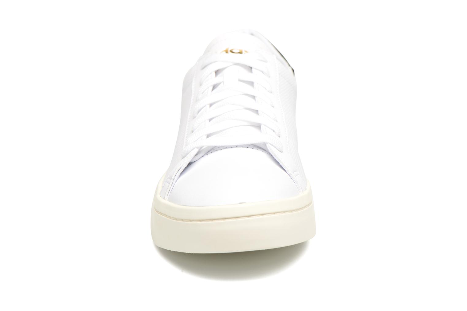 Trainers Adidas Originals Court Vantage H White model view
