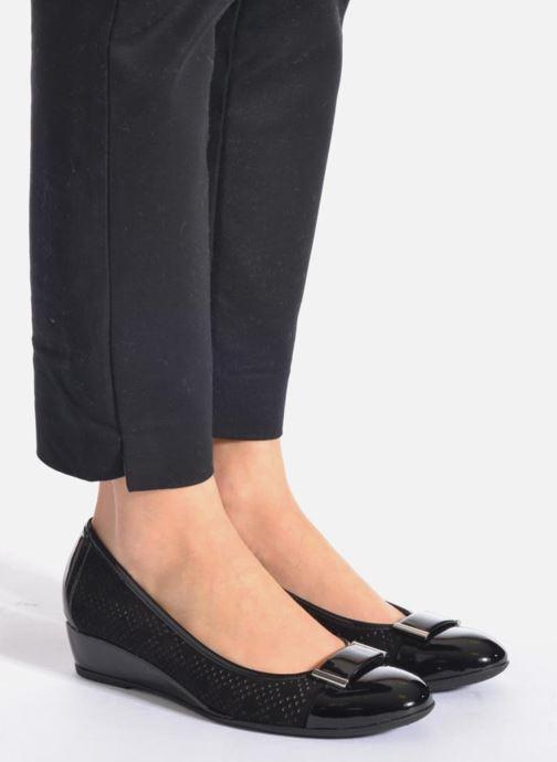 Zapatos de tacón Stonefly Maggie II 2 Beige vista de abajo