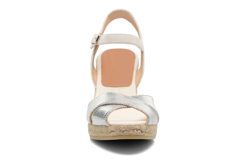 Sandalen Kanna Camoa beige schuhe getragen