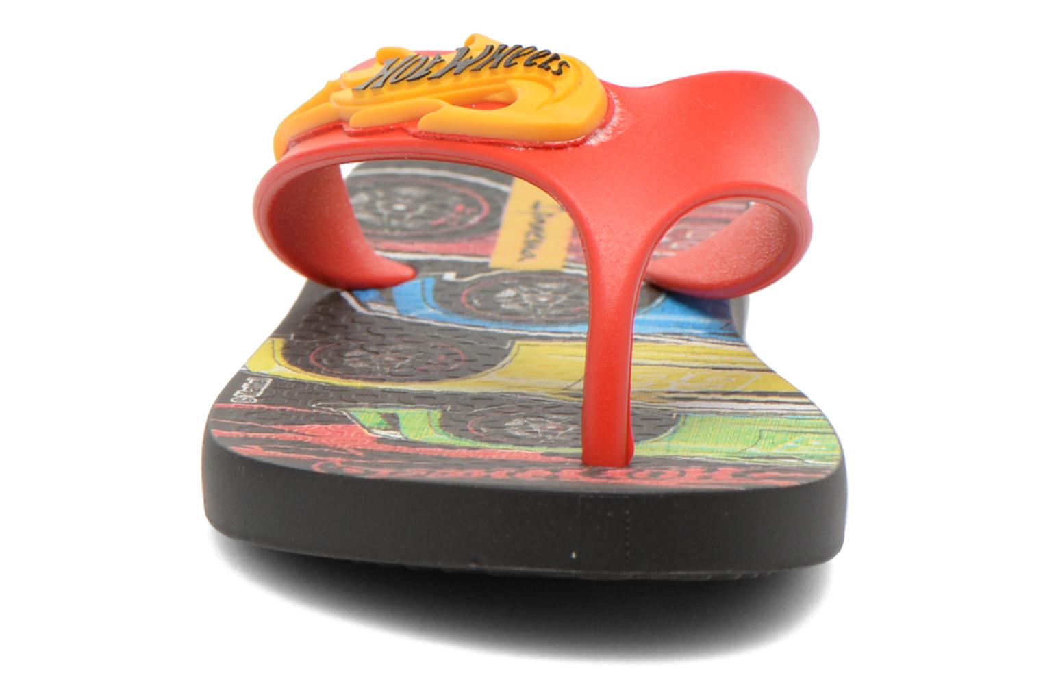 Chanclas Ipanema Hot Wheels Tyre Kids Multicolor vista del modelo