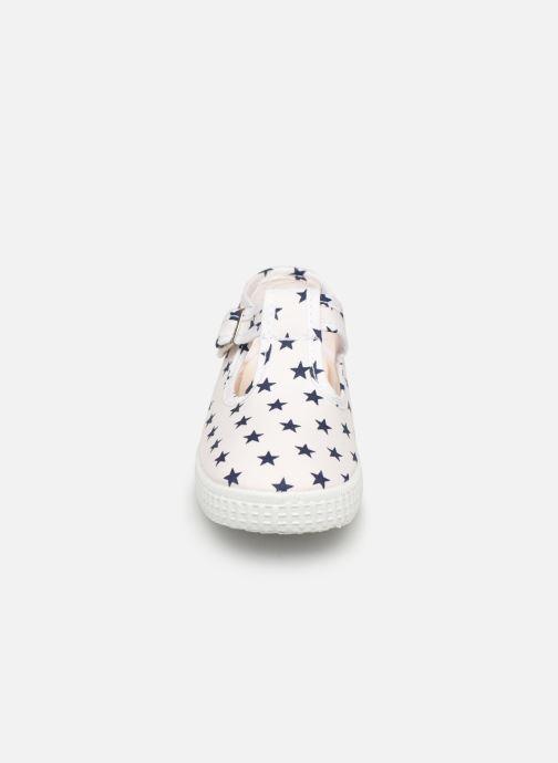 Sneaker Cienta Foliv weiß schuhe getragen