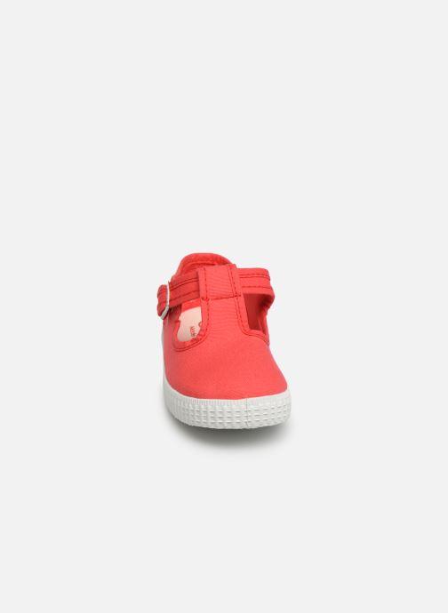 Sneaker Cienta Foliv rot schuhe getragen