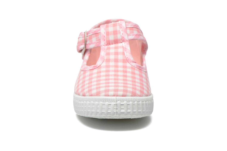 Sneakers Cienta Foliv Rosa modello indossato