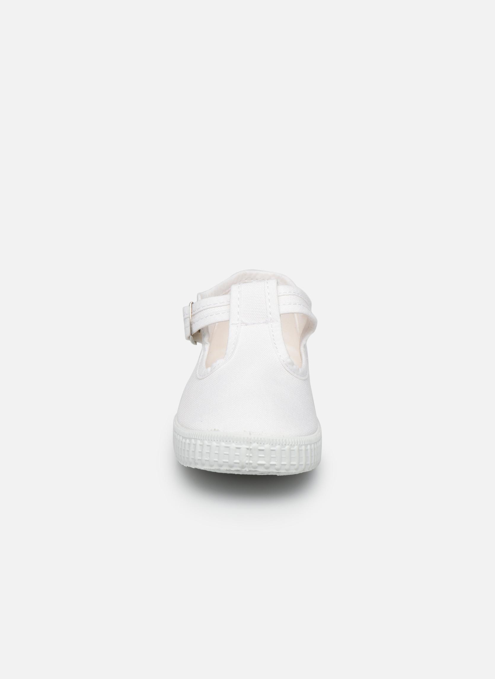Sneakers Cienta Foliv Wit model