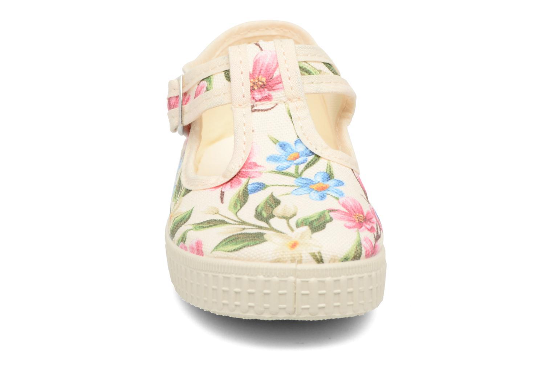 Sneakers Cienta Foliv Bianco modello indossato