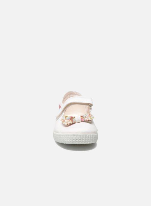 Ballerines Cienta Constanza Blanc vue portées chaussures
