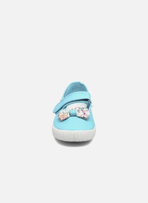 Ballerines Cienta Constanza Bleu vue portées chaussures