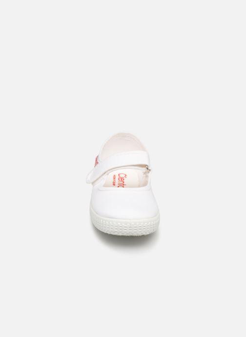Ballerines Cienta Darwina Blanc vue portées chaussures