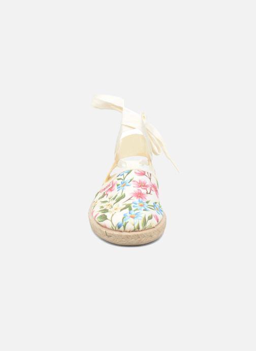 Sandales et nu-pieds Cienta Alicia Blanc vue portées chaussures