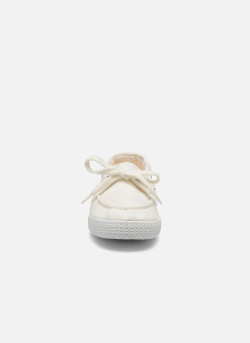 Lace-up shoes Cienta Martino White model view