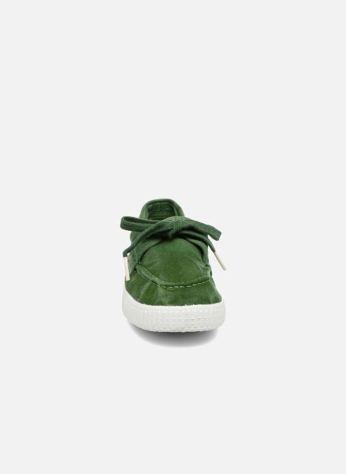 Zapatos con cordones Cienta Martino Verde vista del modelo