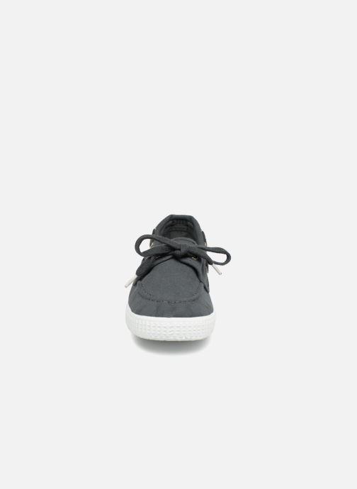 Zapatos con cordones Cienta Martino Gris vista del modelo