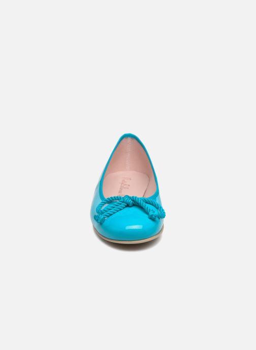 Ballerines Pretty Ballerinas Rosario Bleu vue portées chaussures