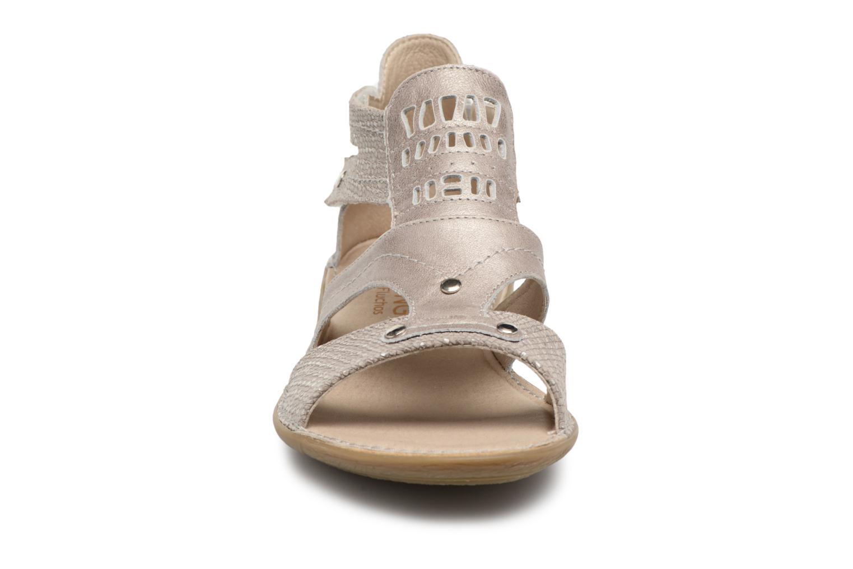 Sandales et nu-pieds Dorking Oda 6769 Gris vue portées chaussures