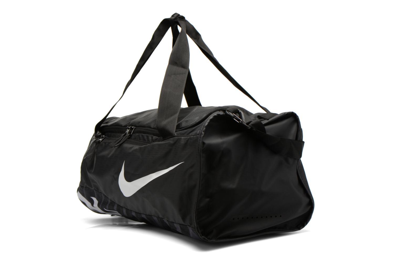 Sacs de sport Nike Nike Alpha Training Duffel Bag M Noir vue portées chaussures