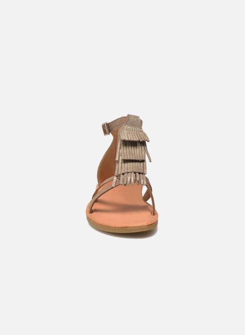 Sandali e scarpe aperte Shwik Lazar Fringe Suede Beige modello indossato