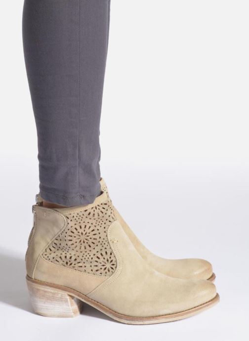 Bottines et boots Khrio Aeligana Beige vue bas / vue portée sac