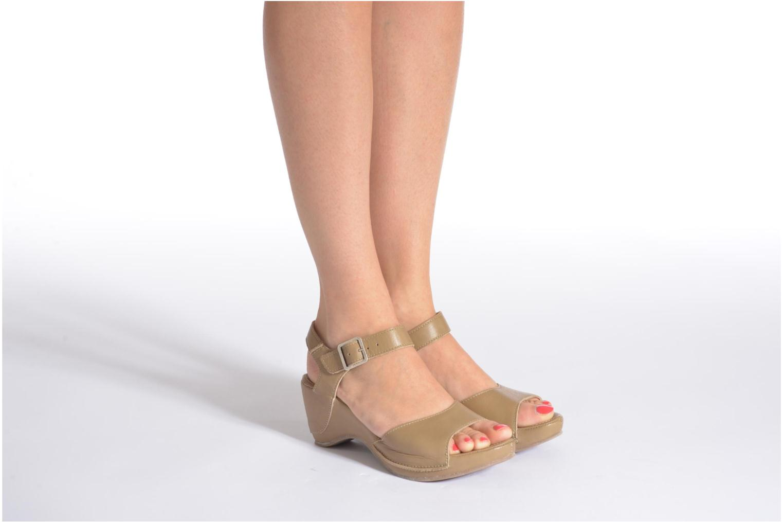 Sandals Khrio Nuova Beige view from underneath / model view