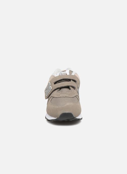 Sneaker New Balance KV574 J grau schuhe getragen