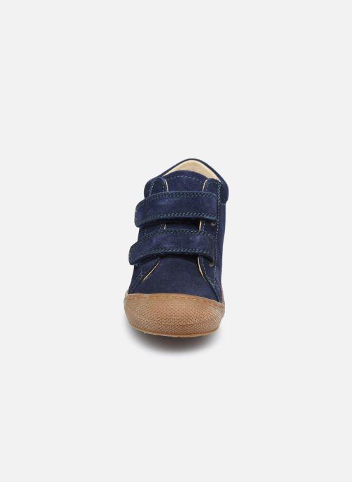 Sneakers Naturino Cocoon VL Azzurro modello indossato