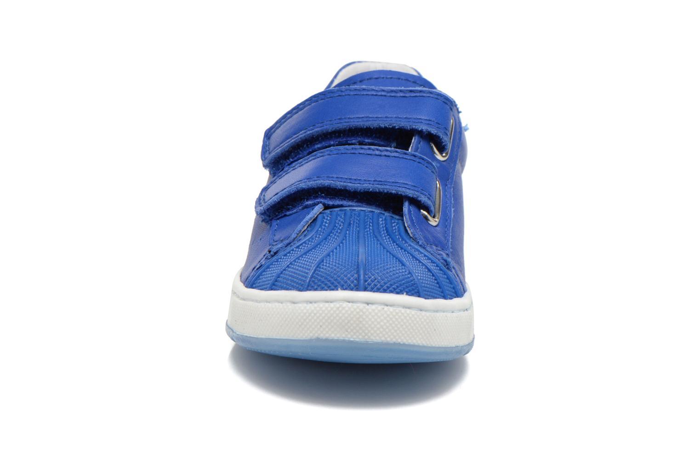 Baskets Naturino Diamante 4064 VL Bleu vue portées chaussures