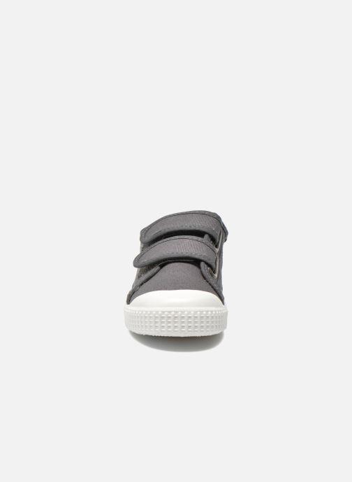 Sneaker Victoria Basket lona Dos Velcos grau schuhe getragen