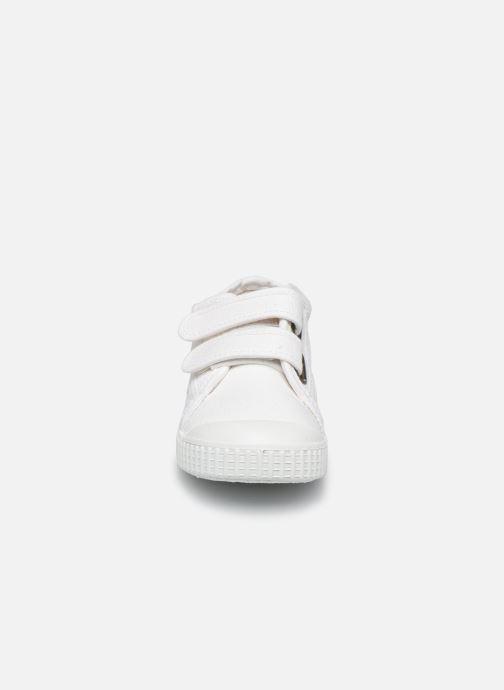 Sneakers Victoria Basket lona Dos Velcos Bianco modello indossato