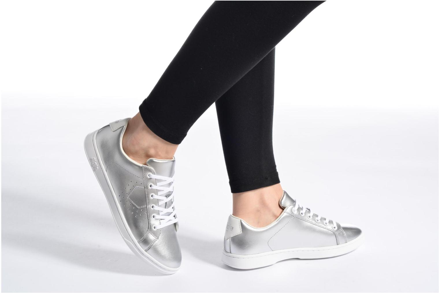 Trainers Aigle Yarden Time W Silver view from underneath / model view