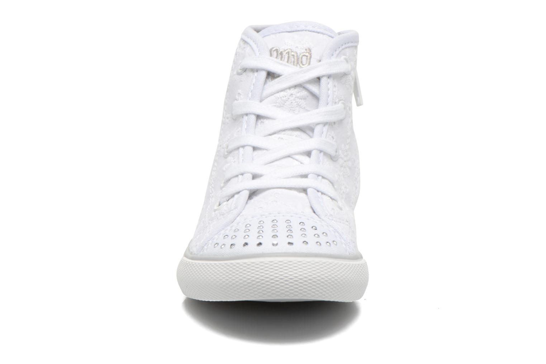 Baskets Primigi College G86 Blanc vue portées chaussures