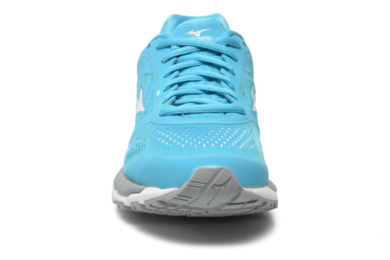 Chaussures de sport Mizuno Mizuno Synchro MX W Bleu vue portées chaussures