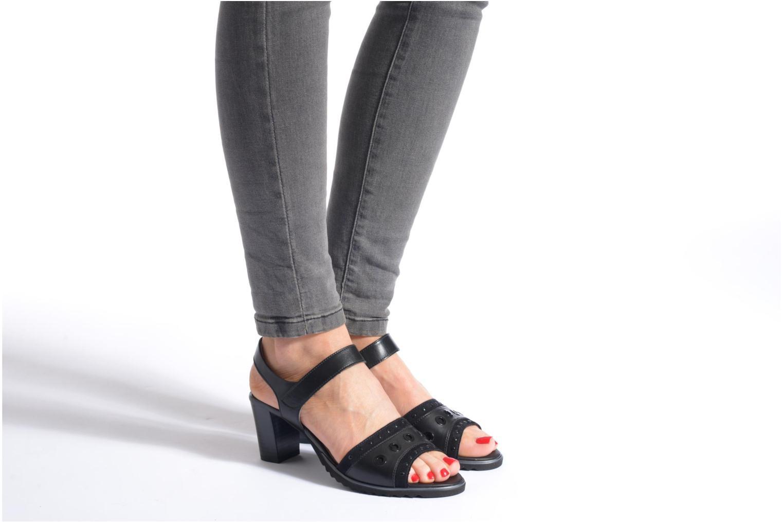 Sandales et nu-pieds Ara Gresa Noir vue bas / vue portée sac