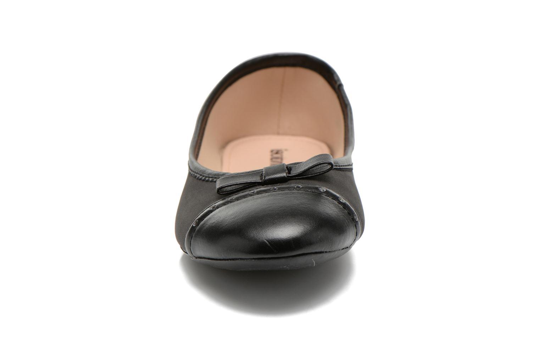 Ballerines Isotoner Ballerine bout rond nœud Noir vue portées chaussures