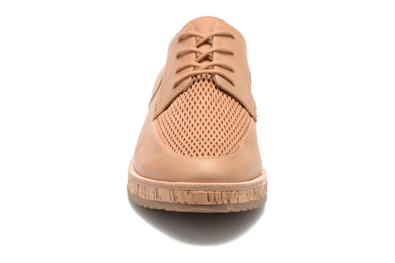 Zapatos con cordones Aldo GATER Beige vista del modelo